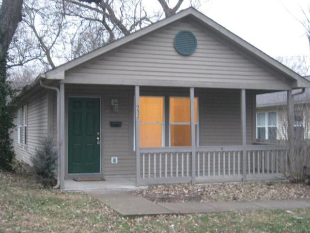 932 Lynn Street, Indianapolis, IN 46222 (MLS #21619046) :: The Evelo Team