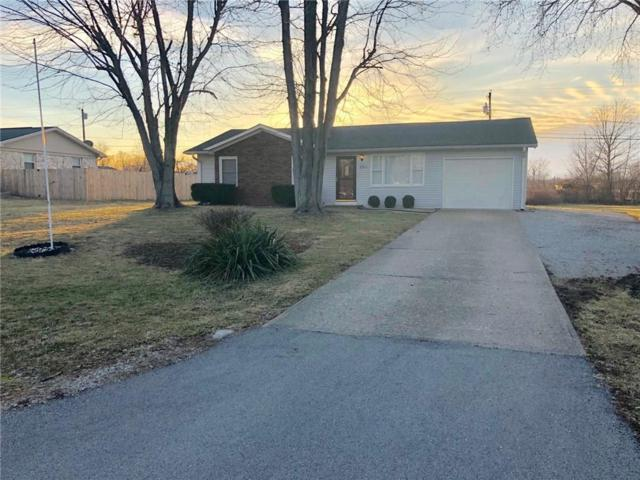 302 Hobson Drive, Mooresville, IN 46158 (MLS #21622823) :: Mike Price Realty Team - RE/MAX Centerstone