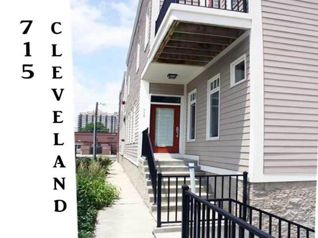 715 N Cleveland Street, Indianapolis, IN 46202 (MLS #21627692) :: David Brenton's Team