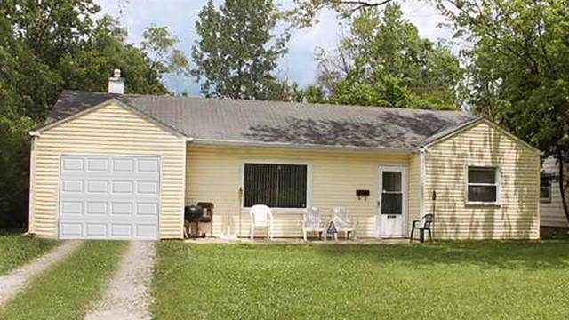 6186 E 25th Street, Indianapolis, IN 46219 (MLS #21629696) :: The ORR Home Selling Team