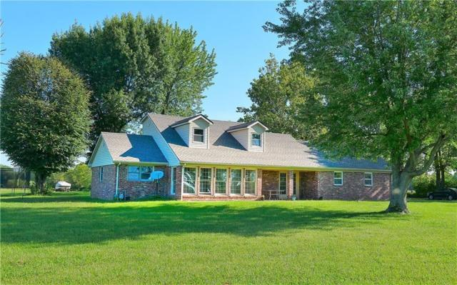 5426 W 200 N, Anderson, IN 46011 (MLS #21630201) :: The Evelo Team