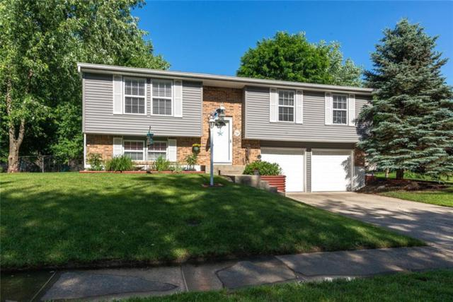 11422 Timberlake Lane, Fishers, IN 46038 (MLS #21642212) :: Mike Price Realty Team - RE/MAX Centerstone