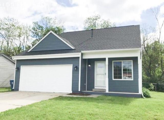 5155 Emmert Drive, Indianapolis, IN 46221 (MLS #21643132) :: HergGroup Indianapolis