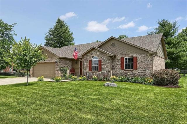 4079 S Kelly Drive, New Palestine, IN 46163 (MLS #21650141) :: The Indy Property Source