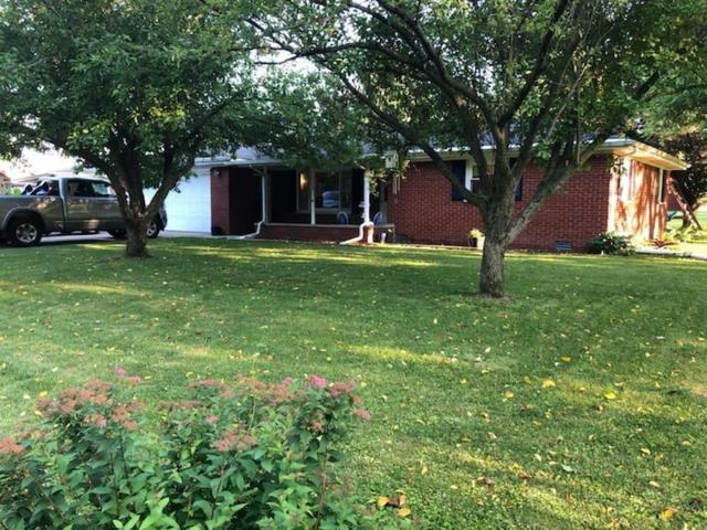 805 Saddle Court, Anderson, IN 46013 (MLS #21650545) :: HergGroup Indianapolis