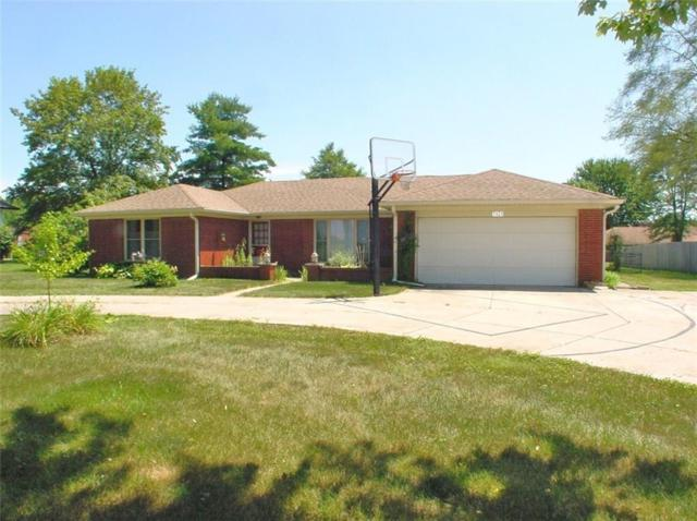 7421 W Sacramento Drive, Greenfield, IN 46140 (MLS #21654396) :: The Star Team | RE/MAX Realty Group
