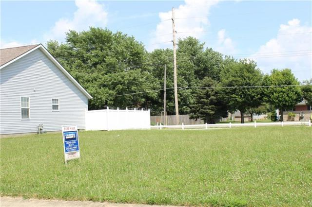 1624 N Oakmont Avenue, Greensburg, IN 47240 (MLS #21655739) :: David Brenton's Team