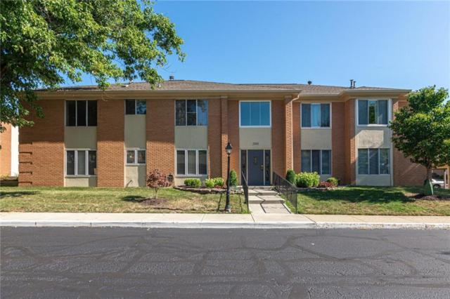398 Hunters Lane Unit C, Carmel, IN 46032 (MLS #21659499) :: Mike Price Realty Team - RE/MAX Centerstone