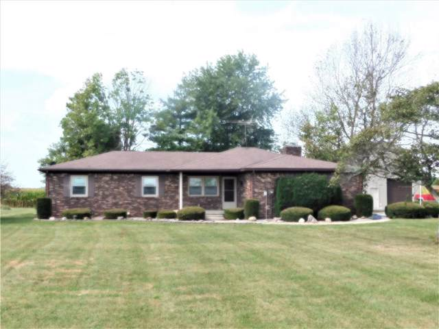 5431 N 300 E, Shelbyville, IN 46176 (MLS #21668812) :: HergGroup Indianapolis