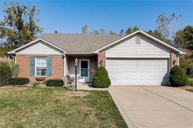 6392 Thistle Bend, Avon, IN 46123 (MLS #21671280) :: David Brenton's Team