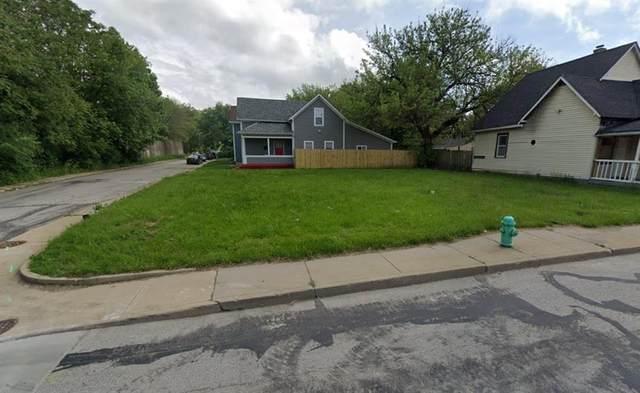 107 E Morris Street, Indianapolis, IN 46225 (MLS #21674023) :: Pennington Realty Team