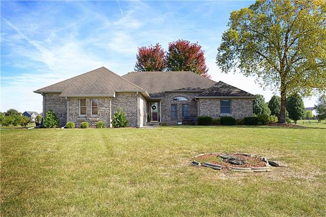 6771 W Willow Grove Drive, New Palestine, IN 46163 (MLS #21675754) :: The ORR Home Selling Team