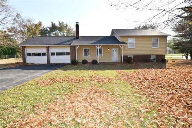 21 Woodhill Drive, Indianapolis, IN 46227 (MLS #21680276) :: The Star Team | RE/MAX Realty Group