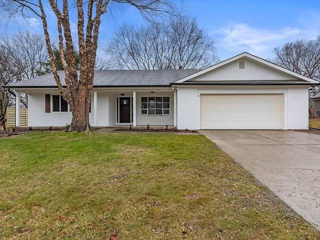 85 Lexington Drive, Zionsville, IN 46077 (MLS #21689661) :: Mike Price Realty Team - RE/MAX Centerstone