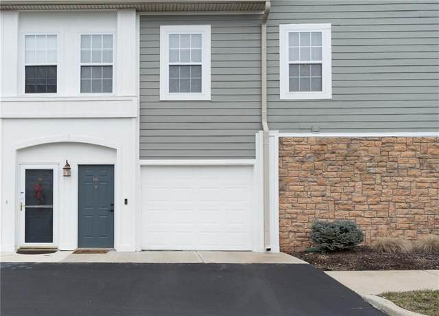 1686 N Vista Drive, Indianapolis, IN 46280 (MLS #21692684) :: Mike Price Realty Team - RE/MAX Centerstone