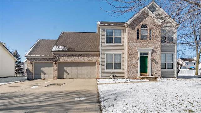 400 Winterwood Drive, Avon, IN 46123 (MLS #21694953) :: Mike Price Realty Team - RE/MAX Centerstone