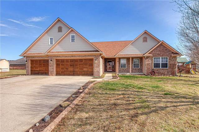 6118 E Concourse Court, Camby, IN 46113 (MLS #21695945) :: Mike Price Realty Team - RE/MAX Centerstone