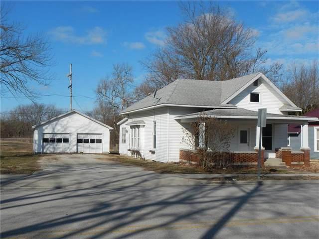 4 N Indiana Street, Roachdale, IN 46172 (MLS #21696110) :: Richwine Elite Group