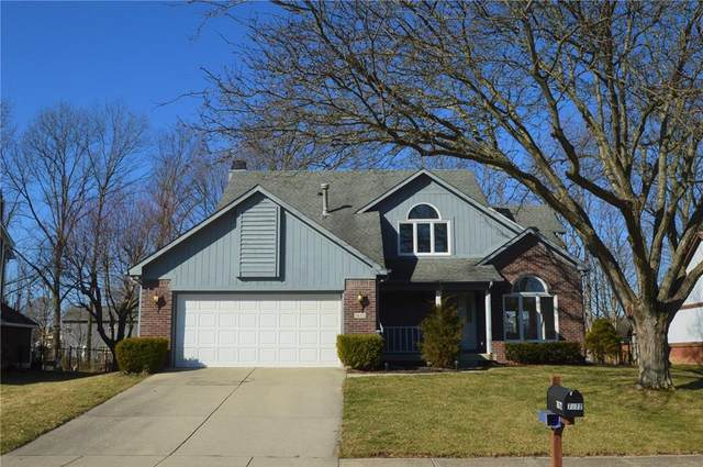 7672 Geist Estates Drive, Indianapolis, IN 46236 (MLS #21696146) :: David Brenton's Team