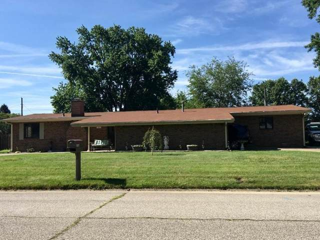 111 Willow Road, Greenfield, IN 46140 (MLS #21696561) :: Richwine Elite Group