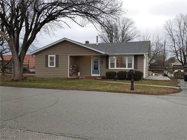 490 W Garfield Avenue, Martinsville, IN 46151 (MLS #21696929) :: The Evelo Team