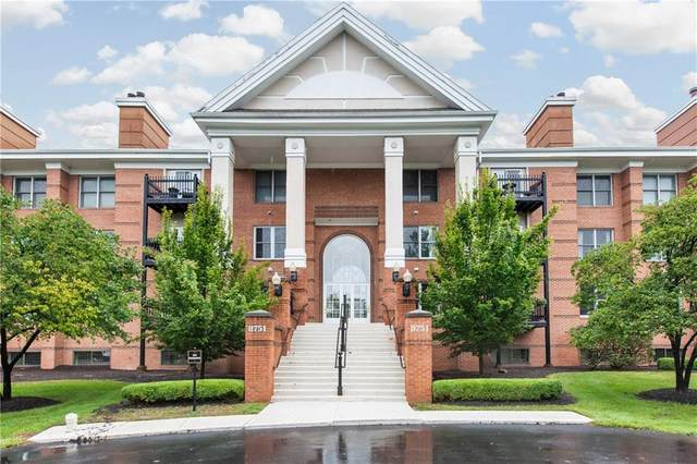 8751 Jaffa Court E Dr #18, Indianapolis, IN 46260 (MLS #21698682) :: The ORR Home Selling Team
