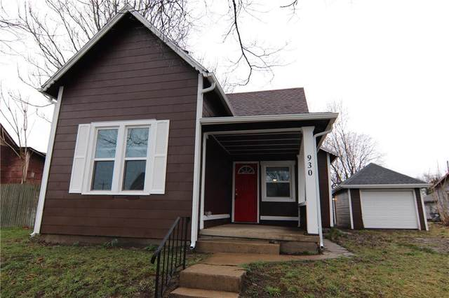 930 W 2nd Street, Anderson, IN 46016 (MLS #21701130) :: AR/haus Group Realty