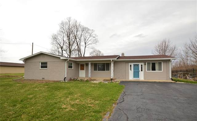 16122 Southeastern Parkway, Fortville, IN 46040 (MLS #21702192) :: HergGroup Indianapolis