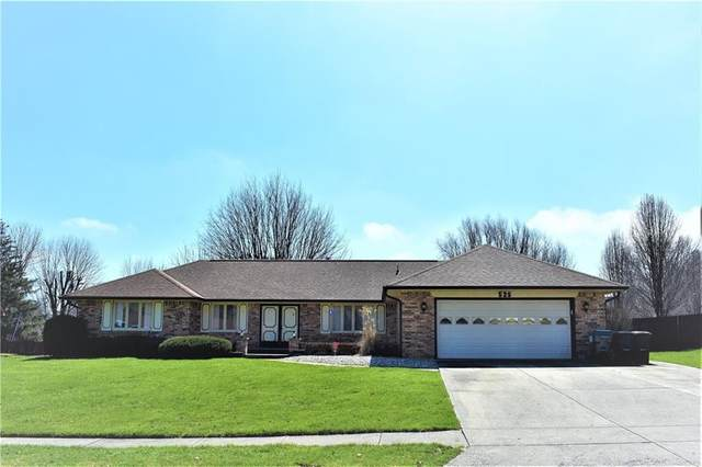 525 S Oakwood Drive, Greenwood, IN 46142 (MLS #21702489) :: The Evelo Team