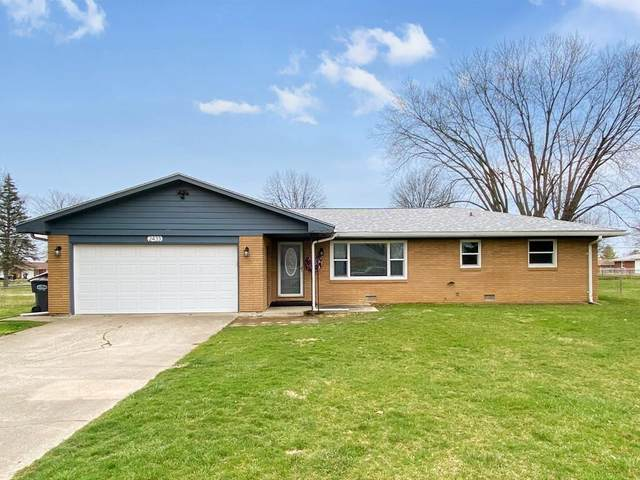2433 E 39th Street, Anderson, IN 46013 (MLS #21702596) :: Richwine Elite Group