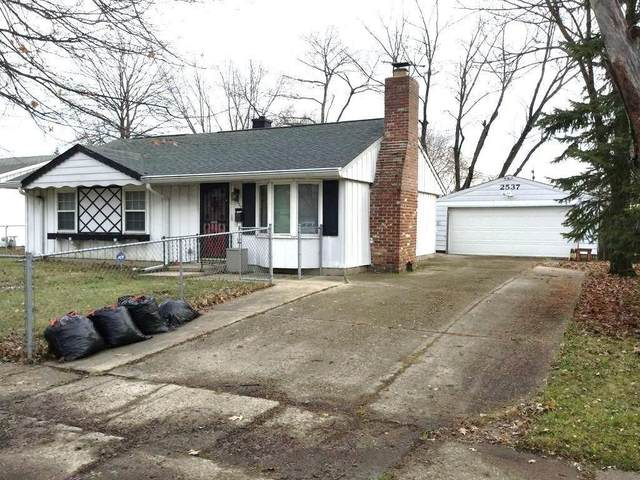 2537 N Routiers Avenue, Indianapolis, IN 46219 (MLS #21703566) :: David Brenton's Team