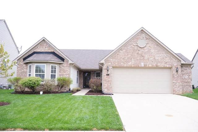 82 W Clear Lake Lane, Westfield, IN 46074 (MLS #21707216) :: Heard Real Estate Team | eXp Realty, LLC