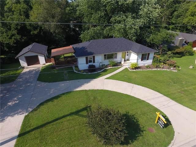 720 W Oak Street, Zionsville, IN 46077 (MLS #21709923) :: AR/haus Group Realty
