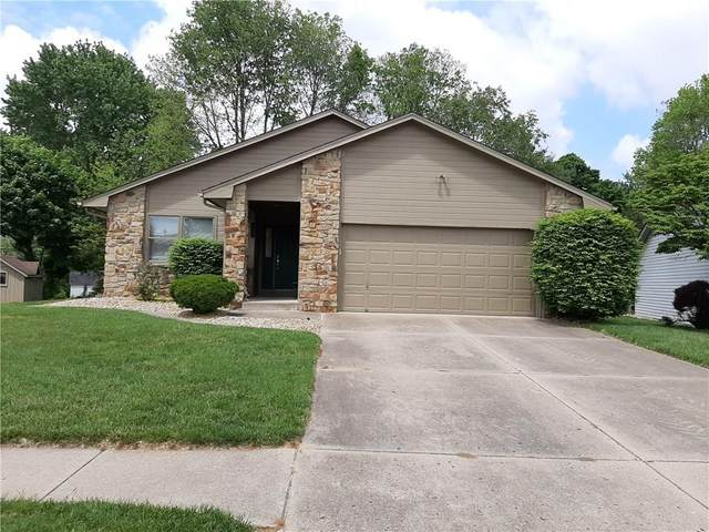 3002 Silver Fox Lane, Columbus, IN 47203 (MLS #21710833) :: The Indy Property Source