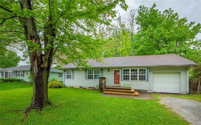 141 Lake Street, Chesterfield, IN 46017 (MLS #21711282) :: The ORR Home Selling Team