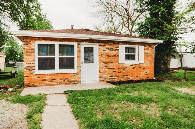 1222 Lincoln Street, Shelbyville, IN 46176 (MLS #21711702) :: Mike Price Realty Team - RE/MAX Centerstone