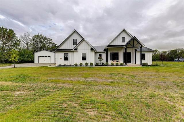 2500 N County Road 600 E, Avon, IN 46123 (MLS #21712105) :: The Evelo Team