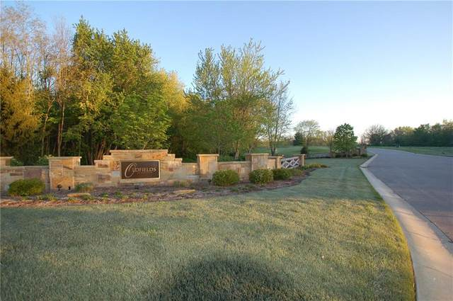 6870 Oldfields Lane, Zionsville, IN 46077 (MLS #21712573) :: Your Journey Team