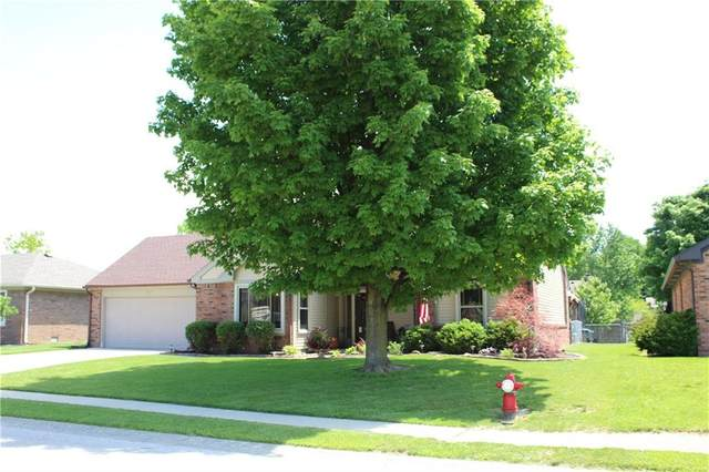 913 E Brookside Lane, Plainfield, IN 46168 (MLS #21715433) :: The Indy Property Source