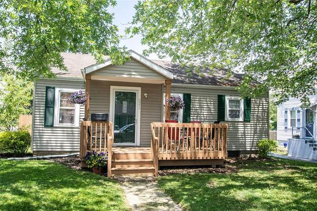 8924 W Hillcrest Drive, Yorktown, IN 47396 (MLS #21715569) :: The ORR Home Selling Team
