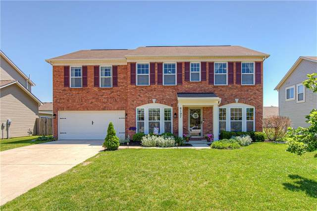 6197 N Woods Edge Drive, Mccordsville, IN 46055 (MLS #21716146) :: Anthony Robinson & AMR Real Estate Group LLC