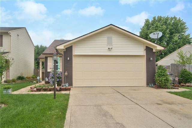 6374 S River Valley Way, Indianapolis, IN 46221 (MLS #21718390) :: David Brenton's Team