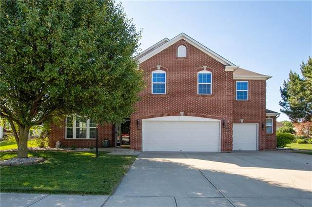 8335 Balmoral Lane, Avon, IN 46123 (MLS #21719015) :: The Indy Property Source
