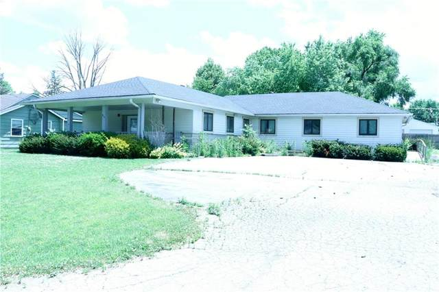 915 W Fourth Street, Greenfield, IN 46140 (MLS #21719927) :: Anthony Robinson & AMR Real Estate Group LLC