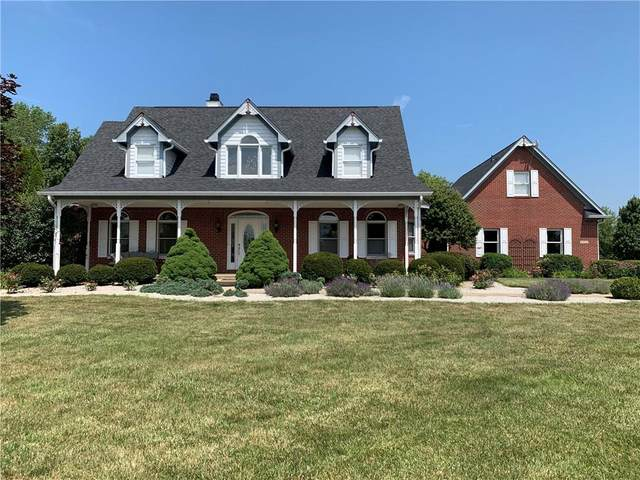 2335 Pr Wrenbriar Lane, Shelbyville, IN 46176 (MLS #21720120) :: David Brenton's Team