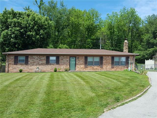 1560 E Harrison Street, Martinsville, IN 46151 (MLS #21720454) :: Anthony Robinson & AMR Real Estate Group LLC