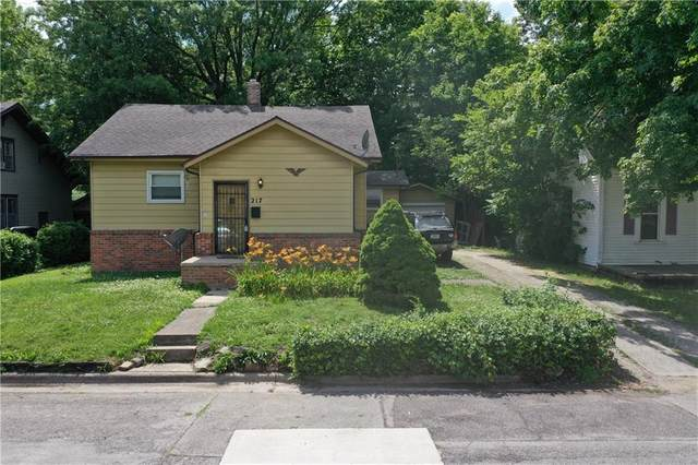 217 S Cole Avenue, Muncie, IN 47303 (MLS #21721953) :: Mike Price Realty Team - RE/MAX Centerstone