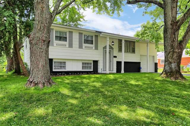 2049 Schwier Drive, Indianapolis, IN 46229 (MLS #21722031) :: The Indy Property Source