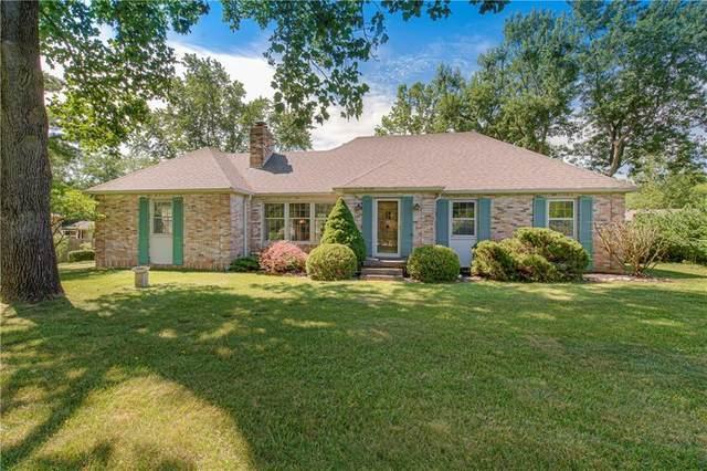 9395 W Oak Street, Zionsville, IN 46077 (MLS #21722394) :: Heard Real Estate Team | eXp Realty, LLC