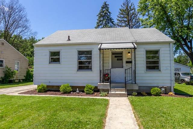 1424 N Kenmore Road, Indianapolis, IN 46219 (MLS #21722690) :: David Brenton's Team